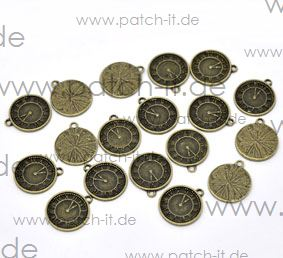 "Charms ""Uhr"" altmessing"