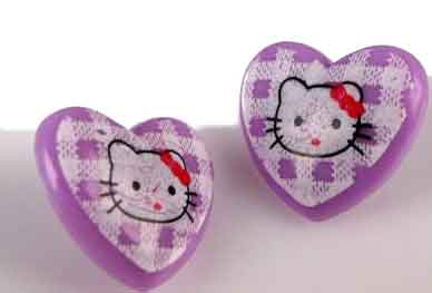 """Hello Kitty"" Knopf in Herzform - lila"